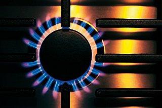 Menší distributoři energií mají v Británii problémy kvůli vysokým cenám plynu