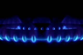 V Japonsku by část drahého plynu mohl nahradit topný olej, otázkou je však kapacita rafinérií