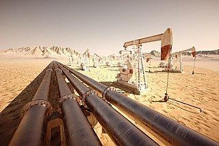 Ceny ropy dnes klesají, protože se zmírnila hrozba bouří v USA